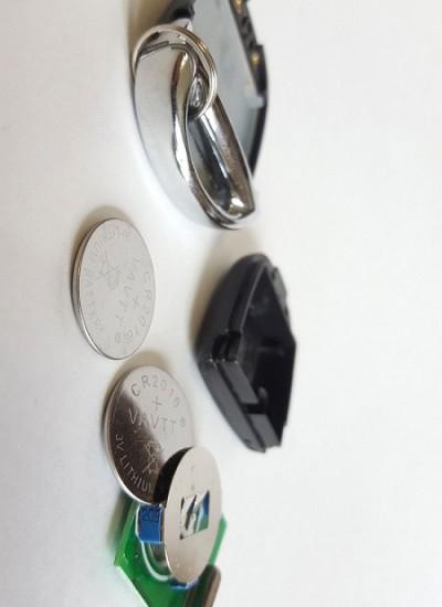 Замена батарейки в автомобильных ключах зажигания/в брелоках автомобильных сигнализаций